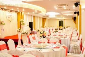 Tiệc cỗ - tiệc cưới